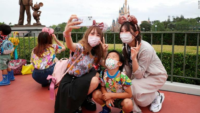 Tokyo Disneyland / Tokyo DisneySea กลับมาเปิดให้บริการแล้ว
